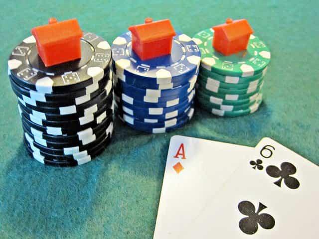 ahorrar con el poker