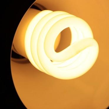 ¿Cómo ahorrar luz en verano?